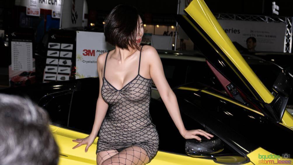 """Song Jooa mẫu xe trong trang phục nóng bỏng """"áp bức vòng 1"""" 31"""