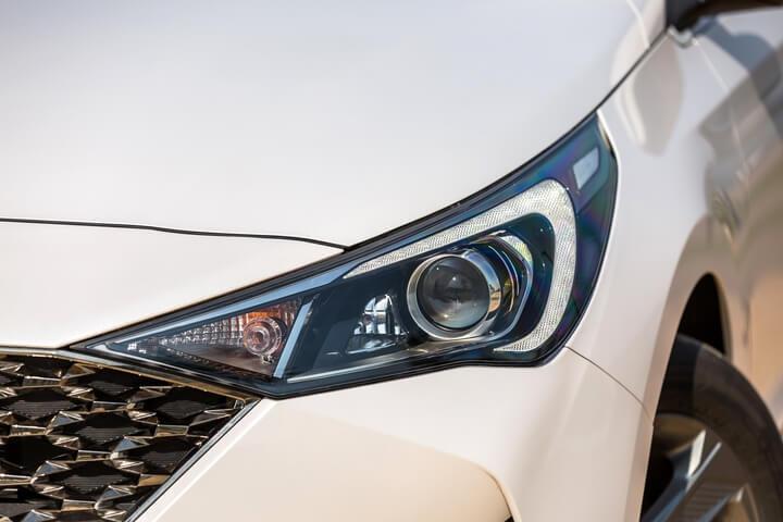Hyundai Accent 2021 giá bao nhiêu ? 12