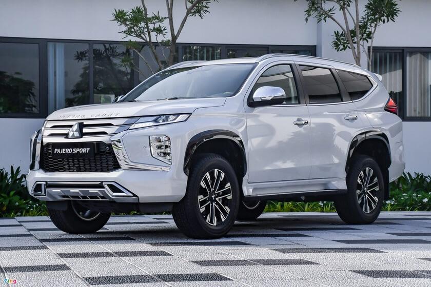 Hyundai Tucson, Mitsubishi Pajero Sport giảm giá mạnh cuối tháng 9 7
